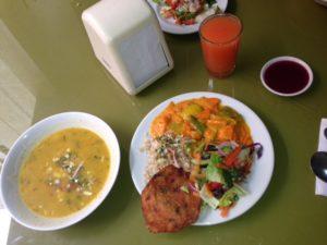 No te preocupes, recibimos nuestra proteína. Nutricentro, El Vegetariano, Cali, Colombia